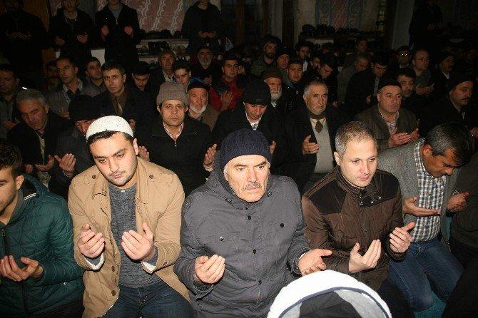 Yozgat'ta Mevlit Kandili'nde Camiler Doldu Taştı