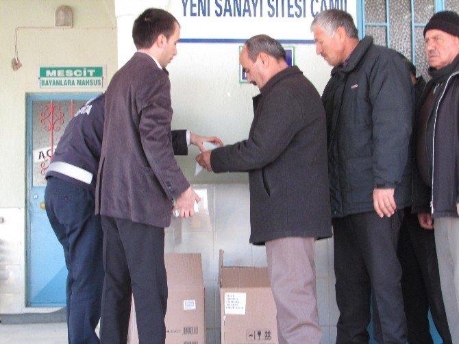 Sandıklı Belediyesi Kandil Simidi Dağıttı