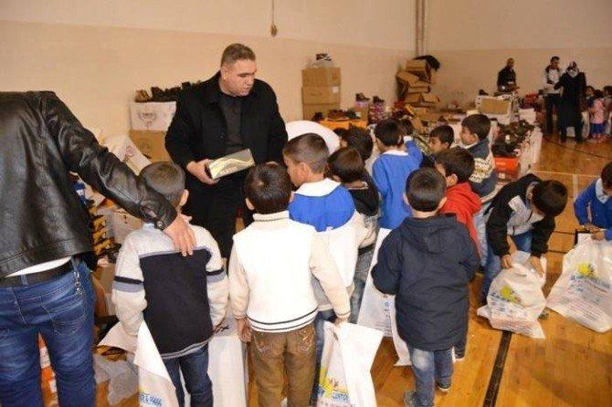 Birecik Kaymakamlığı İhtiyaç Sahibi Öğrencileri Giydirdi