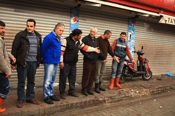 Balıkçılar Pazarı Esnafı'ndan Büyükşehir'e Kaldırım Teşekkürü
