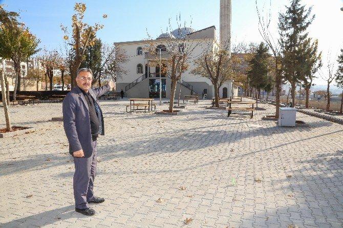Şirinevler Camisi Yeni Haliyle Hizmete Sunuldu