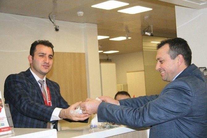 Minik Öğrencilerden Harçlıklarını Türkmenlere Gönderdi