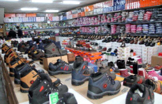 Havaların sıcak gitmesi ayakkabı satışlarını büyük oranda düşürdü