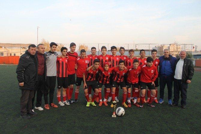 Çiftlikköy Belediyespor U-15 Ligi'nin Şampiyonu Oldu