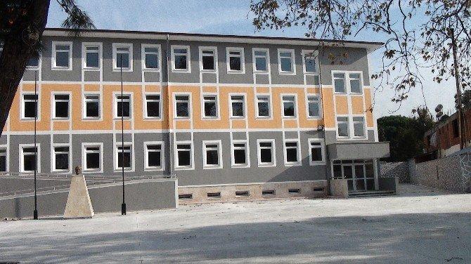 Başkan Ersoy Yapımı Tamamlanan Okulda İncelemelerde Bulundu
