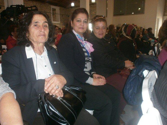 Kadın Muhtarlar Urla'da Çalıştayda Bir Araya Geldi