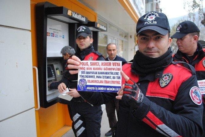 Polis Atm'lere Broşür Astı