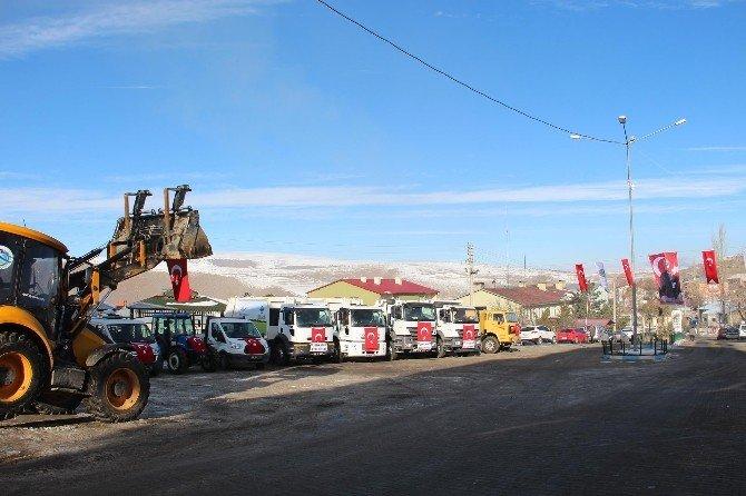 Şenkaya Belediyesi Araçlarını Yeniledi