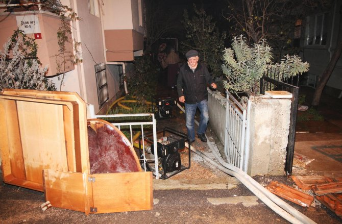Balıkesir'de ana su borusu patladı: 1 ölü, 2 yaralı