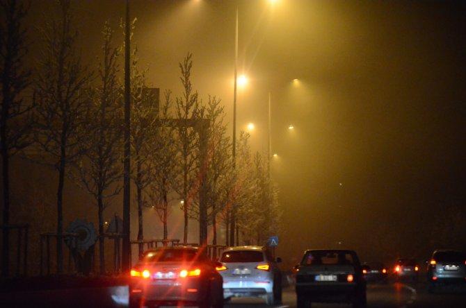 Başkent'te sis yoğunluğu