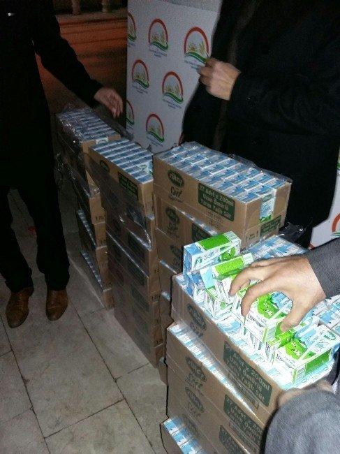 Mevlid Kandili Münasebetiyle Birecik'te Camilerde Süt Dağıtıldı
