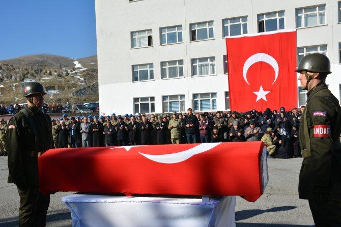 Bitlis'te şehit düşen asker, törenle uğurlandı