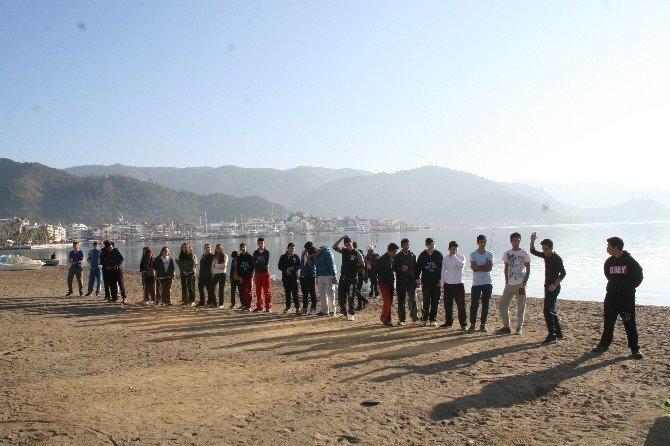 Doğuda Terör Gölgesinde Eğitim, Batıda Plajda Atletizm Dersi