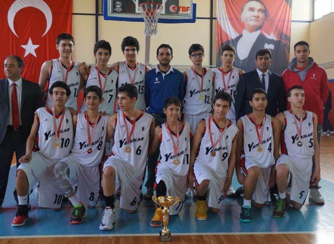Ortaokullar basketbolda şampiyon Yamanlar