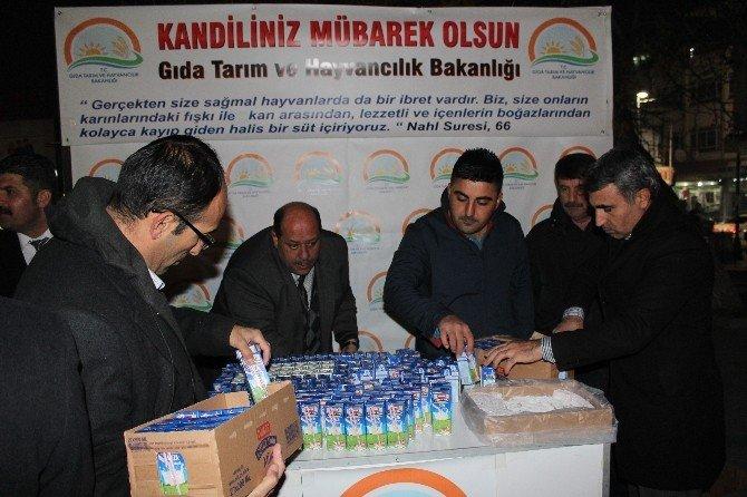 İl Gıda Tarım Ve Hayvancılık Müdürlüğü Süt Dağıttı
