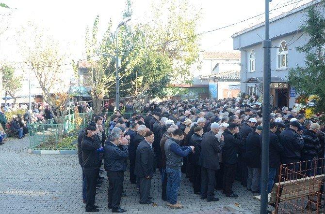 Kağıthane'de Öldürülen Taksici Son Yolculuğuna Uğurlandı