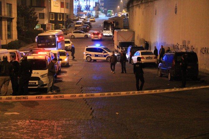 Eczanede bıçaklanan polis, zanlıyı bacağından vurdu
