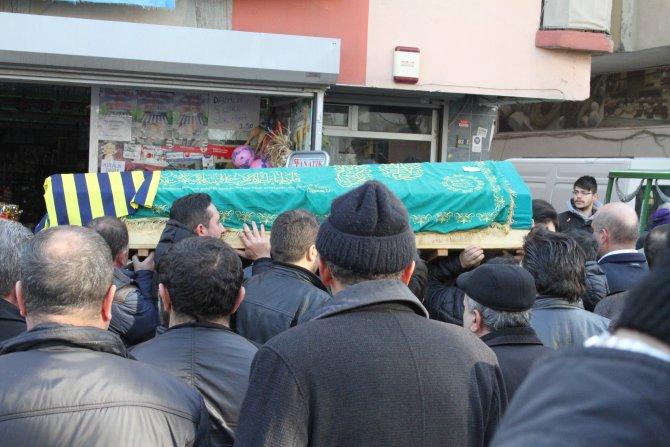 Tinerciler tarafından öldürülen taksici son yolculuğuna uğurlandı
