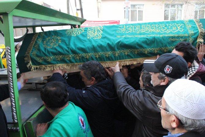 Madde bağımlılarının öldürdüğü taksici Kılıç, son yolculuğuna uğurlandı