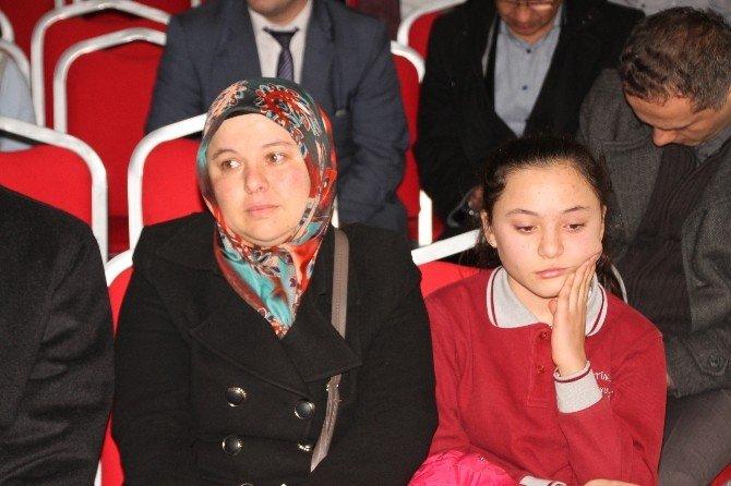 'En Güzel İstiklal Marşı'nı Okuma Yarışması Yapıldı