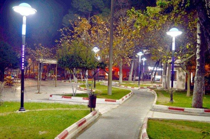 Turgutlu Karpuz Kaldıran Parkı Işıl Işıl