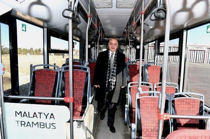 Manisa Büyükşehir Belediye Başkanı Ergün, Trambüsü İnceledi