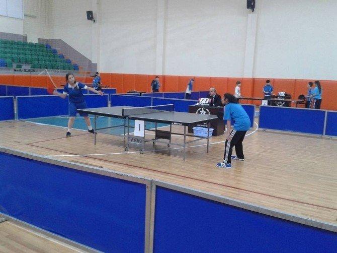 Analig Masa Tenisinde Erzurum İkinci