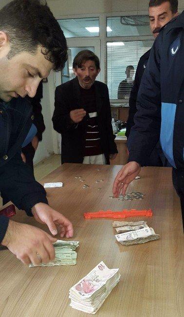 Dilencilerin Üzerinden Çıkan Para Şaşırttı
