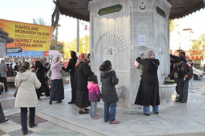 Nazilli'de Osmanlı Çeşmesinden Şerbet Aktı