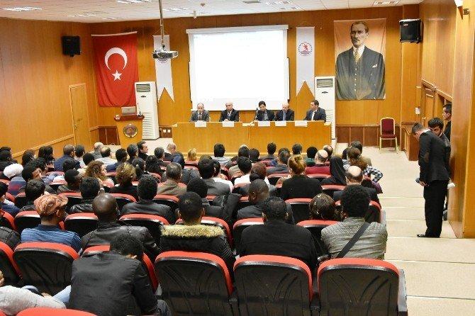 Rektör Akan, Uluslararası Lisansüstü Öğrencileri Dinledi