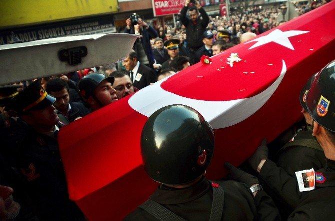 Zonguldak Şehidine Ağlıyor