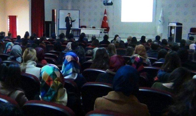 Erciş Kaymakamı Yaşar'dan Aday Öğretmenlere Seminer