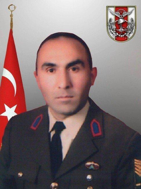 Şehit Düşen Astsubayın Baba Ocağı Türk Bayraklarıyla Donatıldı