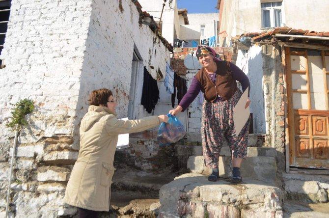 Söke Belediyesi'nden vatandaşa 20 ton portakal yardımı