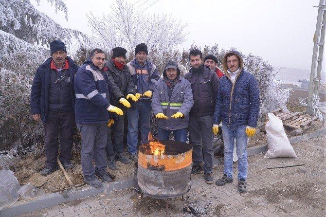Tepebaşı Fen İşleri Ekipleri Dondurucu Soğukta Çalışıyor