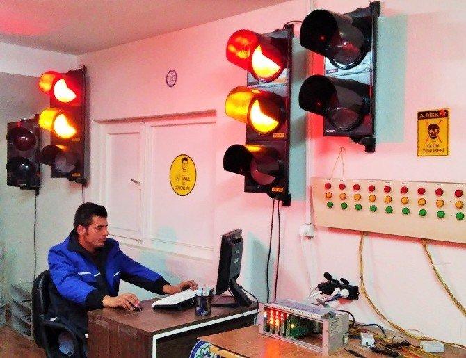 Trafik Işıkları Uzaktan Kontrol Ediliyor