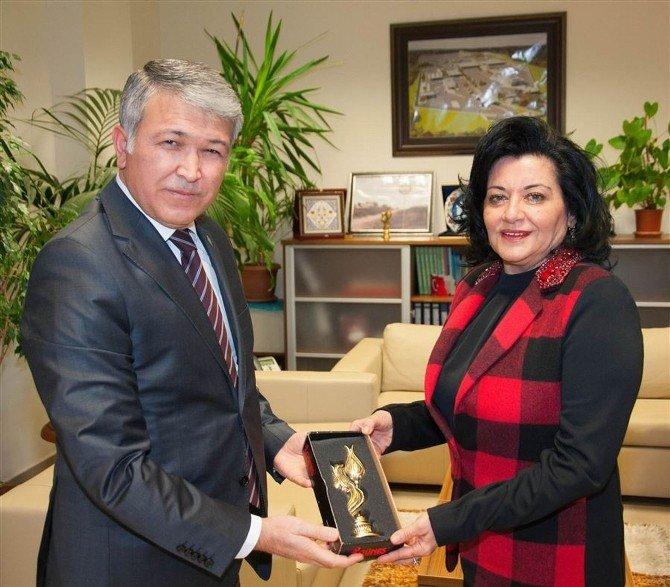 Vali Civelek Trakya Gümrük Ve Ticaret Bölge Müdürlüğünü Ziyaret Etti