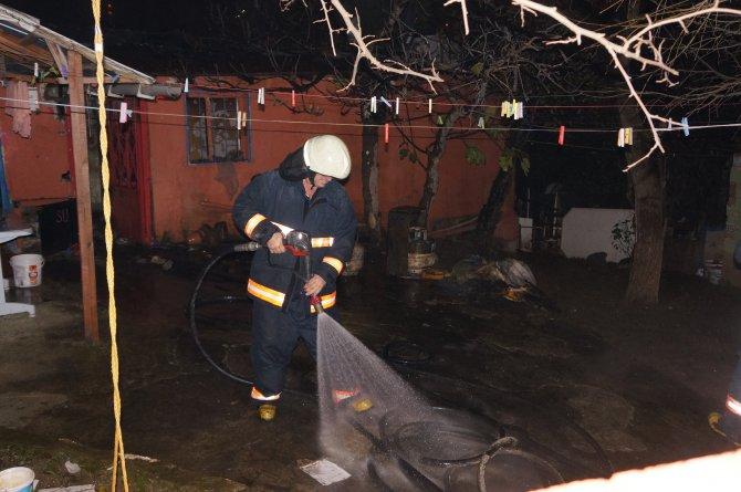 Üsküdar'da gecekondu yangını: 1 ölü