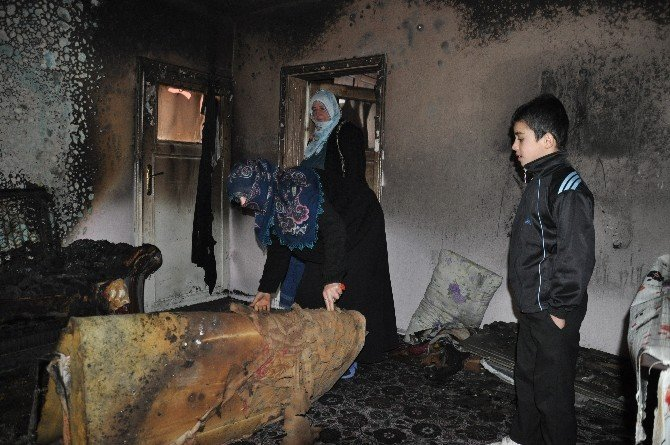 Asker Annesinin Evi Yandı