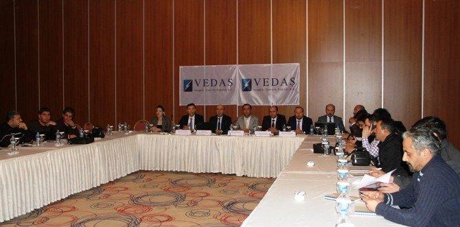 VEDAŞ'tan 2015 Yatırım Toplantısı