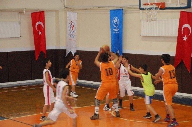 Ortaokullar Arası Basketbol Turnuvası Düzenlendi