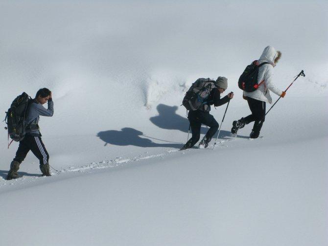 Öğrenciler Tahtalı Dağı'nın zirvesine yürüyerek çıktı