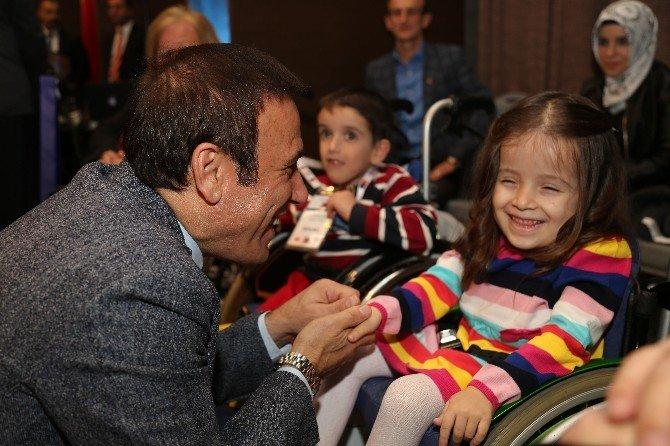 """Genç: """"Yeni Türkiye'de Koşan Bir Samsun Olmalıdır"""""""