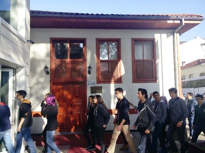 Vefatının 79'uncu Yılında Mehmet Akif Müzesi'ne Ziyaretçi Akını