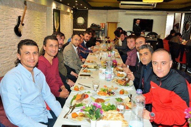 Başkan Baran, Kocaelisporlu Futbolcularla Buluştu