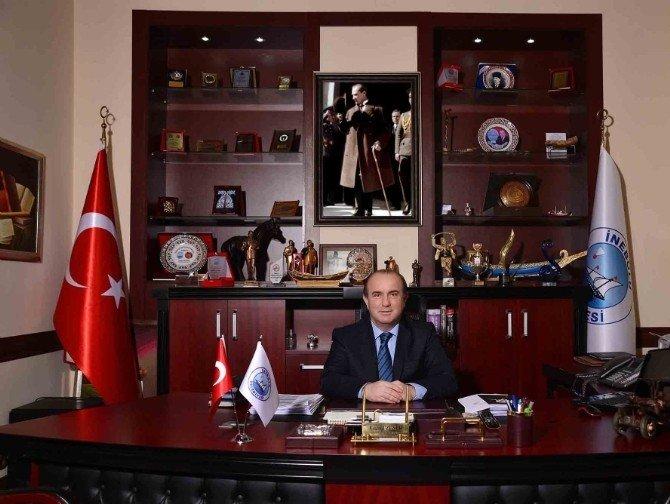"""Başkan Uzuner, Yılın """"Yerel Yöneticisi"""" Seçildi"""