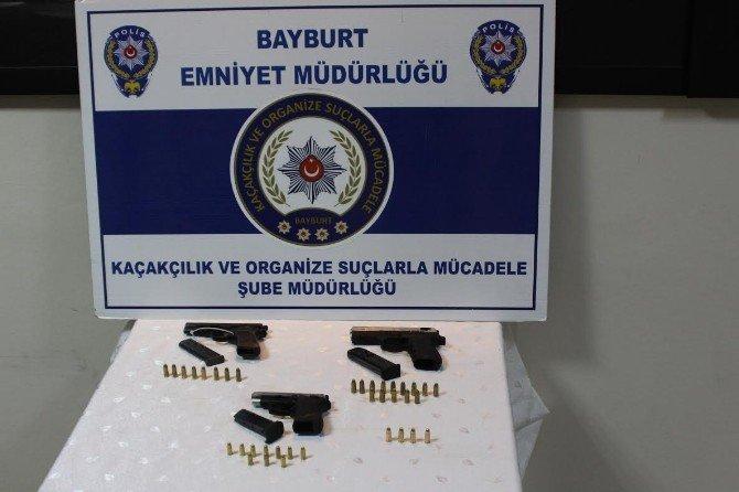 Bayburt'ta Ruhsatsız Silah Ele Geçirildi