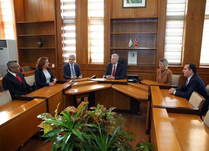 Çukurova Üniversitesi UZAYMER, kapılarını öğrencilere açtı