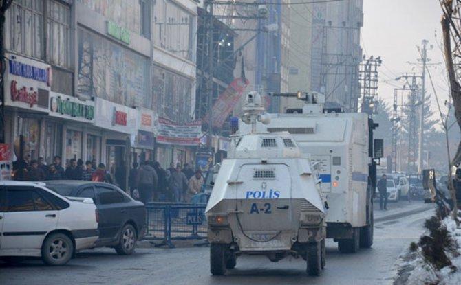 Yüksekova'da yürüyüşe polis müdahale etti