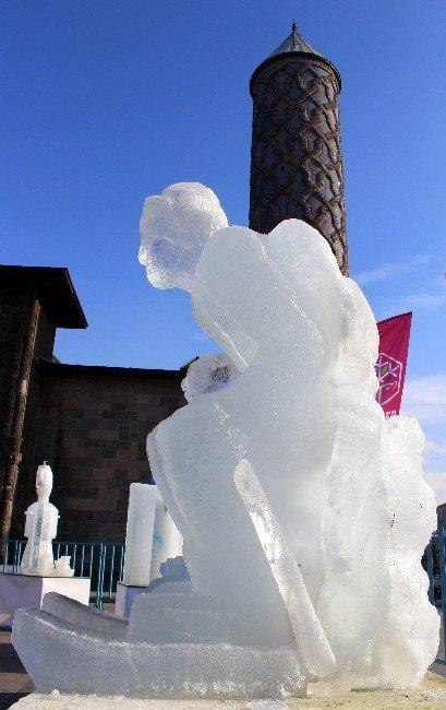 Sibirya Soğuklarının Hüküm Sürdüğü Erzurum'da Buzdan Heykeller